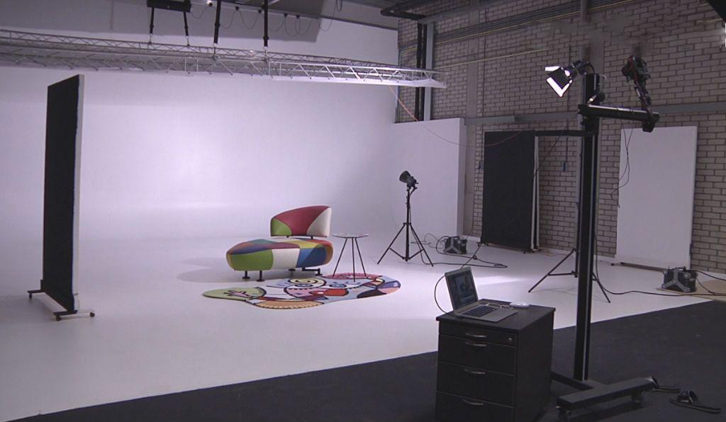 m belfabrikant leolux ist stolz auf sein eigenes limbowand fotostudio limbowand deutschland. Black Bedroom Furniture Sets. Home Design Ideas
